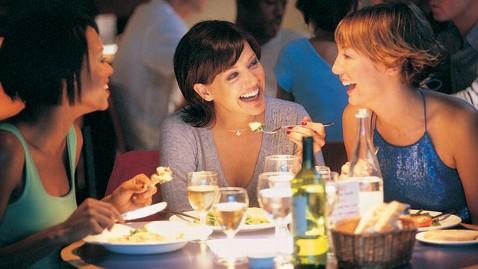 gty eating restaurant mi 130328 wblog Restaurant Calorie Counts: Big Fat Lies?