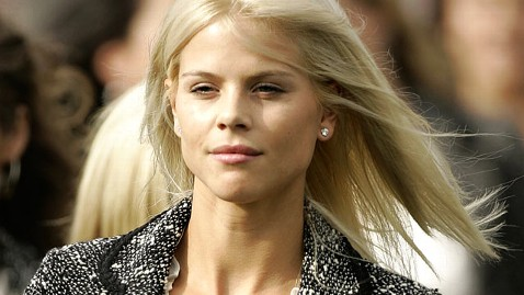 gty elin nordegren dm 120516 wblog Elin Nordegren Is Single Again
