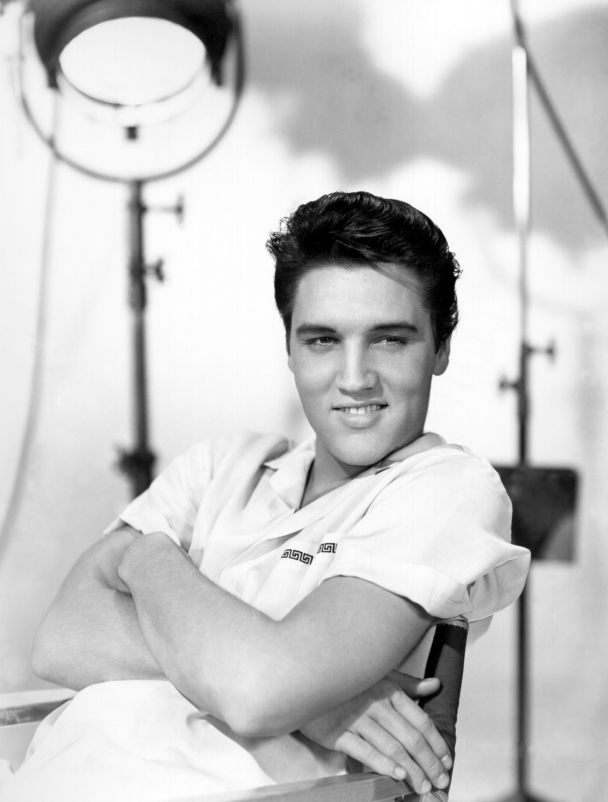 elvis presley photos and images abc news. Black Bedroom Furniture Sets. Home Design Ideas