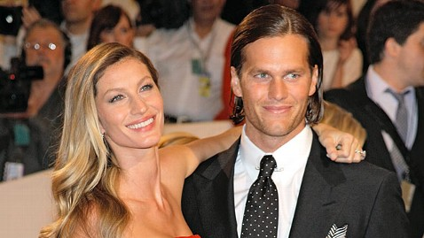gty gisele bundchen brady jp 120202 wblog Gisele Bundchen Asks for Positive Chain of Prayer for QB Hubby Tom Brady