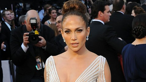 Jennifer Lopez Denies OSCAR Night Wardrobe Malfunction
