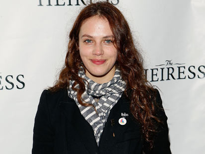 gty jessica brown findlay jef 130329 main Downton Abbey Star Jessica Brown Findlay Regrets Topless Appearance