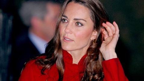 gty kate duchess cc 111116. wblog New Report Claims Britains Kate Middleton Is Pregnant
