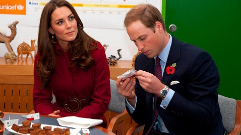 gty kate middleton jp 111104 wblog Kate Middleton Sparks Pregnancy Rumors With Food Choice