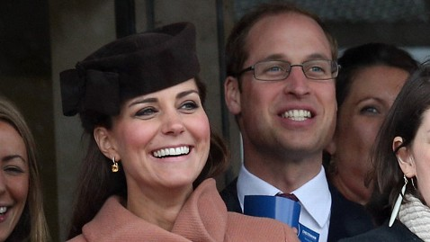 gty kate middleton prince wiliam jt 130315 wblog Kate Middleton, Prince William Appear at Horse Race