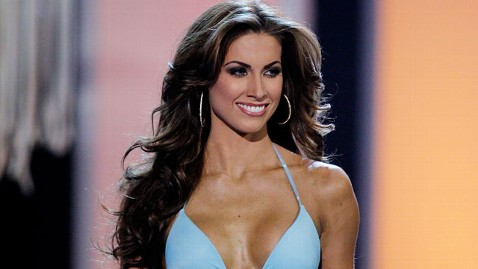 gty katherine webb jef 130108 wblog Alabama Quarterbacks Girlfriend Steals Show at National Championship Game