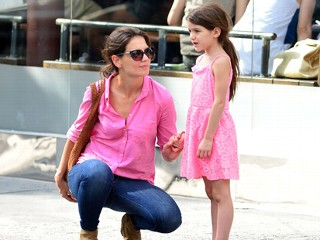 PHOTO: Katie Holmes and Suri Cruise are seen on July 15, 2012 in New York City.