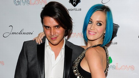 gty katie perry markus molinari jt 120128 wblog Blue Haired Katy Perry Makes First Post Split U.S. Appearance