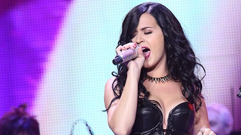 gty katy perry ml 130618 wblog Katy Perry Inspired by Roar Contest Entries, Discusses Concert Set for Winning High School