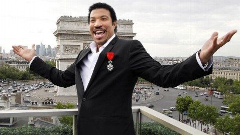 gty lionel richie dm 120413 wblog Report: Lionel Richie Owes the IRS