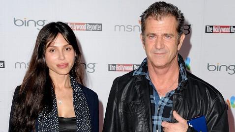 gty mel gibson oksana mi 130422 wblog Mel Gibsons Ex: My Children Saved Me