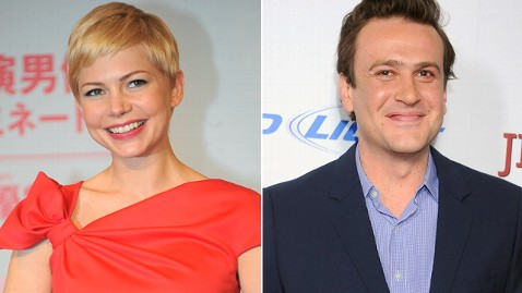 gty michelle williams jp 120419 wblog Michelle Williams, Jason Segel Heating Up