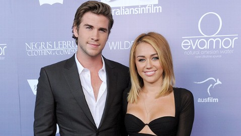 gty miley cyrus liam hemsworth ll 130315 wblog Report: Miley Cyrus, Liam Hemsworth Are Talking