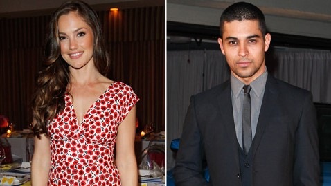 gty minka kelly wilmer valderama 120321 wblog Are Minka Kelly, Wilmer Valderrama Dating?