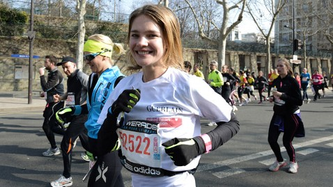 gty natalia vodianova marathon mi 130305 wblog Supermodel Runs Half Marathon, Then Walks Paris Fashion Show