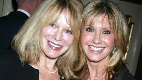 gty olivia newton john sister nt 130423 wblog Olivia Newton John Reveals Sisters Cancer Battle