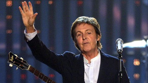 gty paul mccartney dm 120418 wblog Report: McCartneys My Valentine Video Shows Celebs Signing Tampon and Enemy