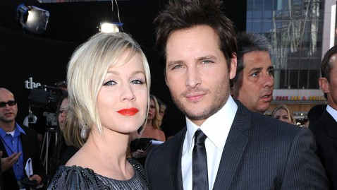 gty peter facinelli jennie garth dm 120314 wblog Jennie Garth Breaks Down Over Divorce on New Reality Show