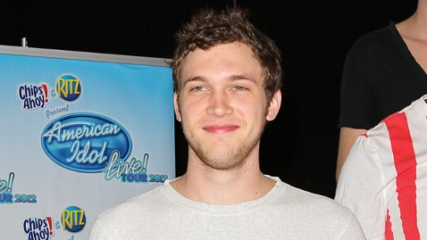 gty phillip phillips ll 120621 wblog American Idol Champ Phillip Phillips Doing Better Than Expected