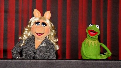 gty piggy kermit jp 120130 wblog Muppets Scoff at Fox News Accusations of Liberal Agenda