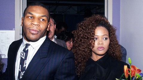 gty robin givens mike tyson dm 121203 wblog Mike Tyson on Catching Brad Pitt With His Ex Robin Givens