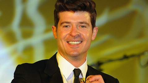 gty robin thicke jef 120217 wblog Robin Thicke Arrested in New York City