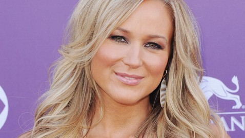 gty singer jewel thg 130515 wblog Jewel on Having More Babies: My Eggs Are in Wheelchairs