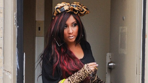 gty snooki animal print thg 120608 wblog Pregnant Snooki: 8 Surprising Things You Didnt Know