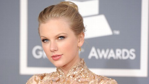 gty taylor swift jt 120224 wblog Taylor Swift Cant Make Teens Prom, but Asks Him to the Academy of Country Music Awards