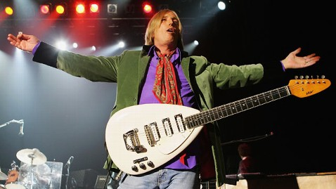gty tom petty dm 120416 wblog Tom Petty Offers $7,500 Reward for 5 Stolen Guitars