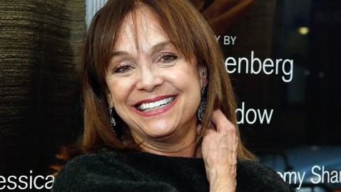 gty valerie harper jef 130503 wblog Dancing With the Stars Season 17: Valerie Harper Leaves the Dance Floor