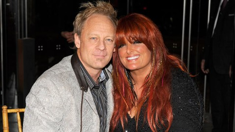 gty wynonna judd cactus moser thg 111229 wblog Wynonna Judd Gets Engaged, for the Third Time