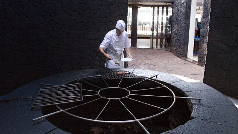 ht 0009 chef el diablo tk 120227 wblog Your Food Cooked in a Volcano at El Diablo Restaurant