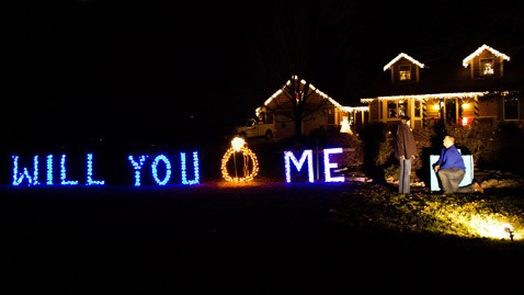 Christmas Lights Spell Surprise Marriage Proposal - ABC News