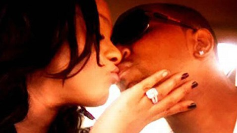 ht bobbi christina dm wm 120813 wblog Bobbi Kristina Kissing Adopted Brother