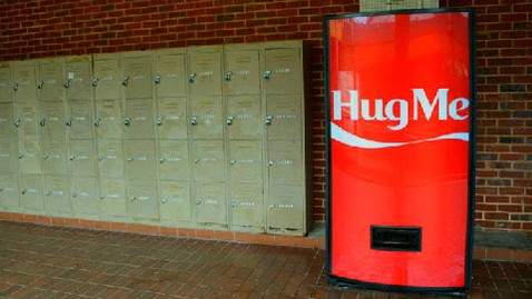 ht coca cola singapore dm 120412 wblog Would You Hug a Vending Machine for a Free Coke?