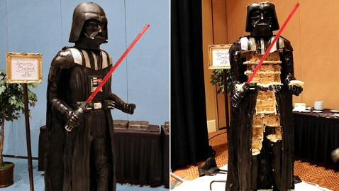ht darth vader cake nt 120827 wblog Sweet Darth Vader? Villain Served in Life Sized Cake to Star Wars Fans