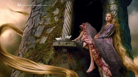 ht disney parks taylor swift rapunzel leibowitz thg 130124 wblog Taylor Swift Poses as Rapunzel for Disney Parks