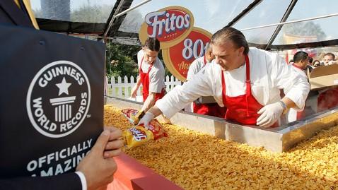 ht frito pie dm 121002 wblog 1,325 Pound Fritos Chili Pie Sets Record