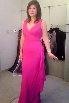 ht fushia miranda eng nt 111011 vblog Choosing a Dress for the White House State Dinner
