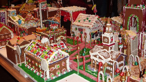 ht gingertown mi 121127 wblog College Campus Made Completely of Gingerbread