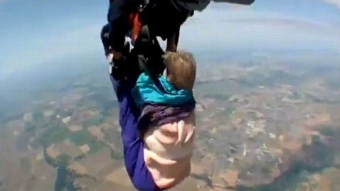 80-Year-Old Skydiver Laughs About Terrifying Fall - ABC News