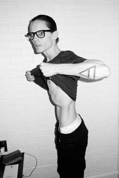 ht jared leto terry richardson thg 121129 vblog Jared Leto Shows Off Shocking Weight Loss for AIDS Role