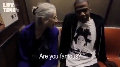 ht jay z subway jp 121205 wblog Jay Z Explains to Elderly Woman Who He Is