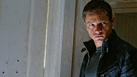 ht jeremy renner bourne legacy ll 120809 wblog Movie Review: The Bourne Legacy Not Missing Matt Damon