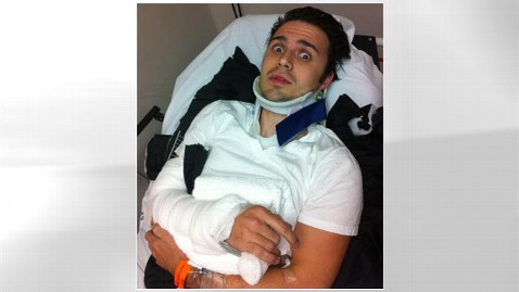 ht kris allen accident tk 130102 wblog Kris Allen Injured in Car Accident; Reveals Hes Going to Be a Father