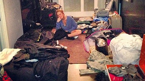ht lindsay lohan packing rehab instagram thg 130502 wblog Photo: See What Lindsay Lohan Is Bringing to Rehab
