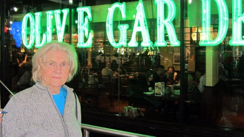 ht marilyn hagerty jef 120319 wblog Marilyn Hagerty, the North Dakota Olive Garden Food Critic, Returns