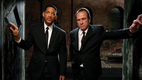 ht men in black dm 120522 wblog Review: Men in Black 3