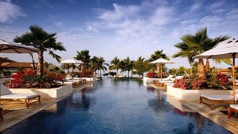 ht mexico resort oscars nt 130221 wblog Oscar Losers Take Home $45,000 Gift Bag